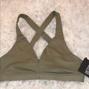 Victoria's Secret Strappy Sports Bra Small NWT